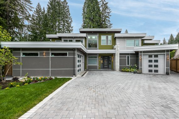 electrician contractor custom home built vancouverom